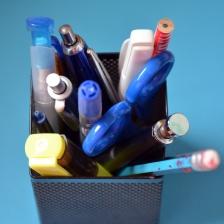 pen-box-2641368_1920.jpg